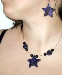 collier et boucles d'oreilles assorties, Étoilé Mauve