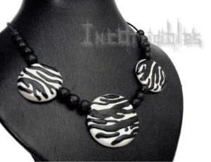 Collier Trio Zébré - pièces faits main (noir & blanc, autre couleur possible).2.logoG