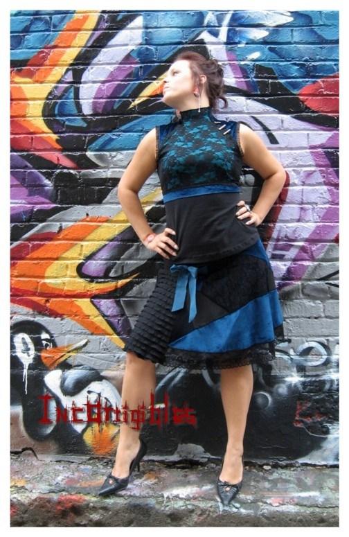 jupe-velours-et-dentelle-turquoise-corsage-asia